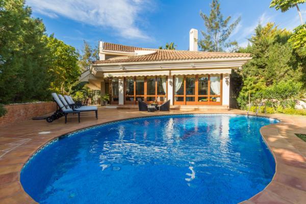 Sold: 4 Bedroom, 4 Bathroom Villa in El Herrojo Alto, La Quinta, Nueva Andalucia