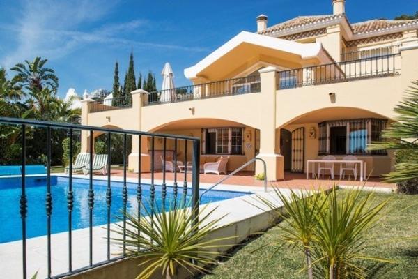 Sold: 6 Bedroom5, Bathroom Villa in La Quinta Golf, Benahavis