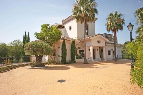 Sold: 6 Bedroom, 5 Bathroom Villa in La Reserva de la Quinta, Benahavis