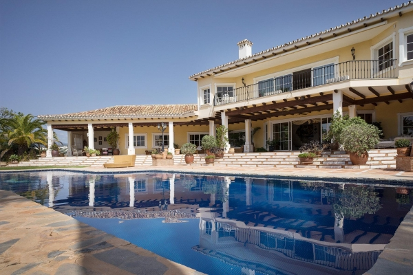 5 Bedroom, 6 Bathroom Villa For Sale in Vega del Colorado, La Quinta, Benahavis