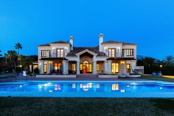Sold: 7 Bedroom5, Bathroom Villa in Vega del Colorado, La Quinta, Benahavis