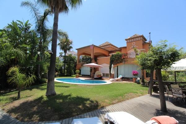 Sold: 4 Bedroom5, Bathroom Villa in La Quinta, Benahavis