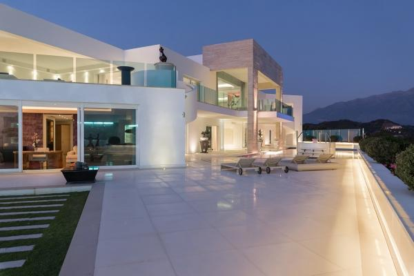 Sold: 6 Bedroom6, Bathroom Villa in La Quinta, Benahavis