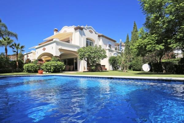 Sold: 5 Bedroom5, Bathroom Villa in La Reserva de la Quinta, Benahavis