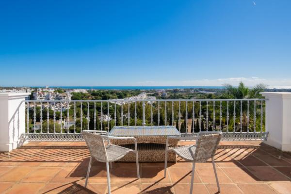 Sold: 4 Bedroom4, Bathroom Villa in El Herrojo Alto, La Quinta, Benahavis