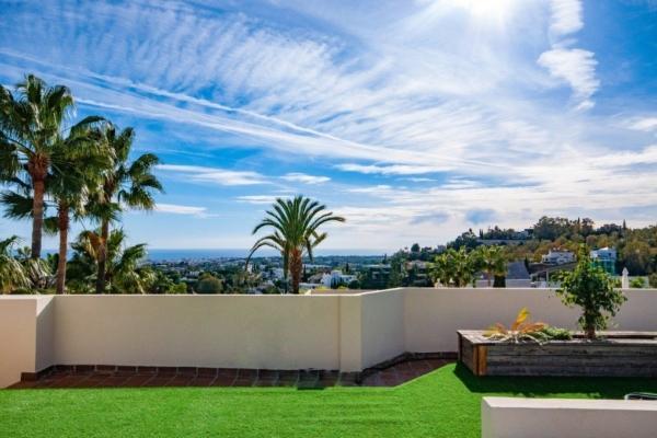 3 Bedroom, 2 Bathroom Townhouse For Sale in La Quinta Hills, Nueva Andalucia