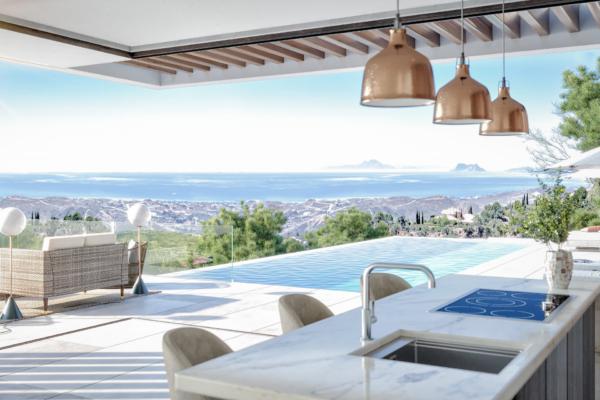 4 Bedroom, 4 Bathroom Villa For Sale in Real de la Quinta, Nueva Andalucia