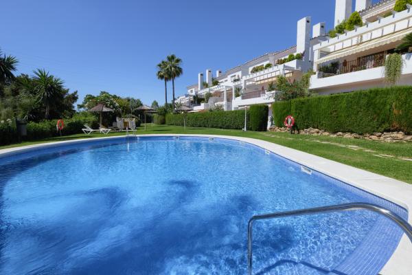 3 Bedroom, 2 Bathroom Penthouse For Sale in El Soto de la Quinta, Nueva Andalucia