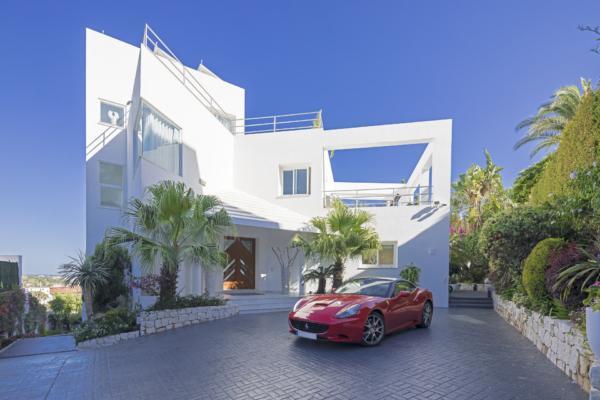 4 Bedroom, 5 Bathroom Villa For Sale in La Quinta, Nueva Andalucia